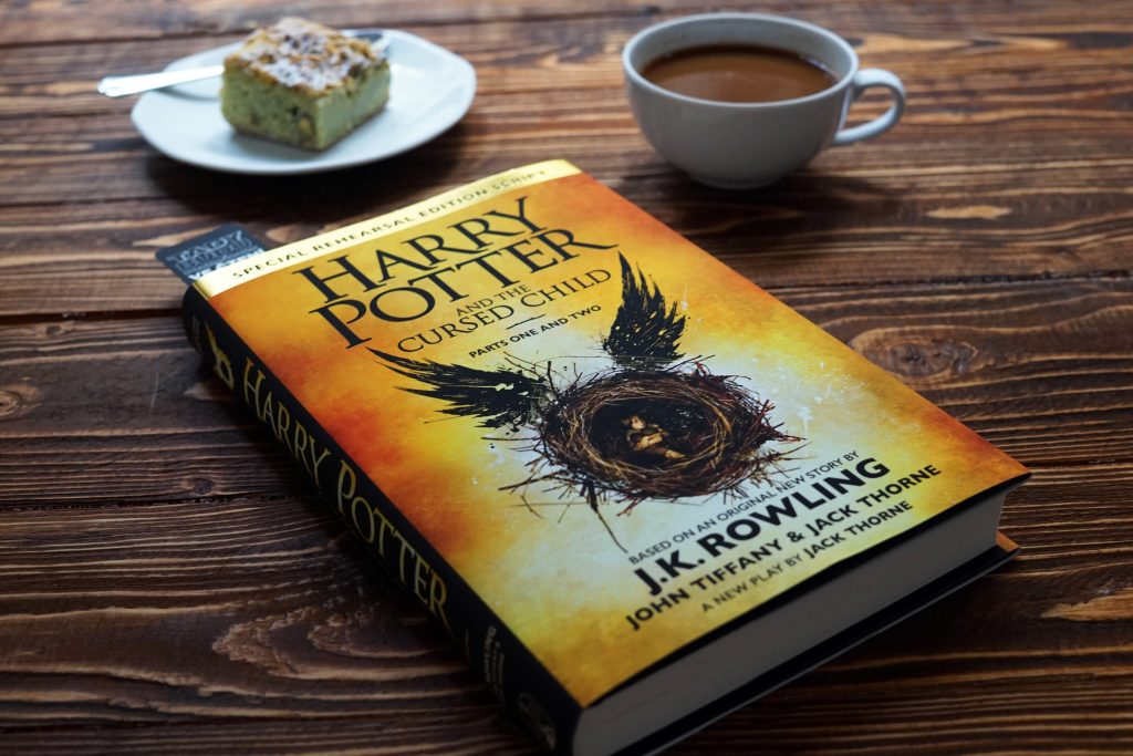 Jaký vlastně je Harry Potter and the Cursed Child?