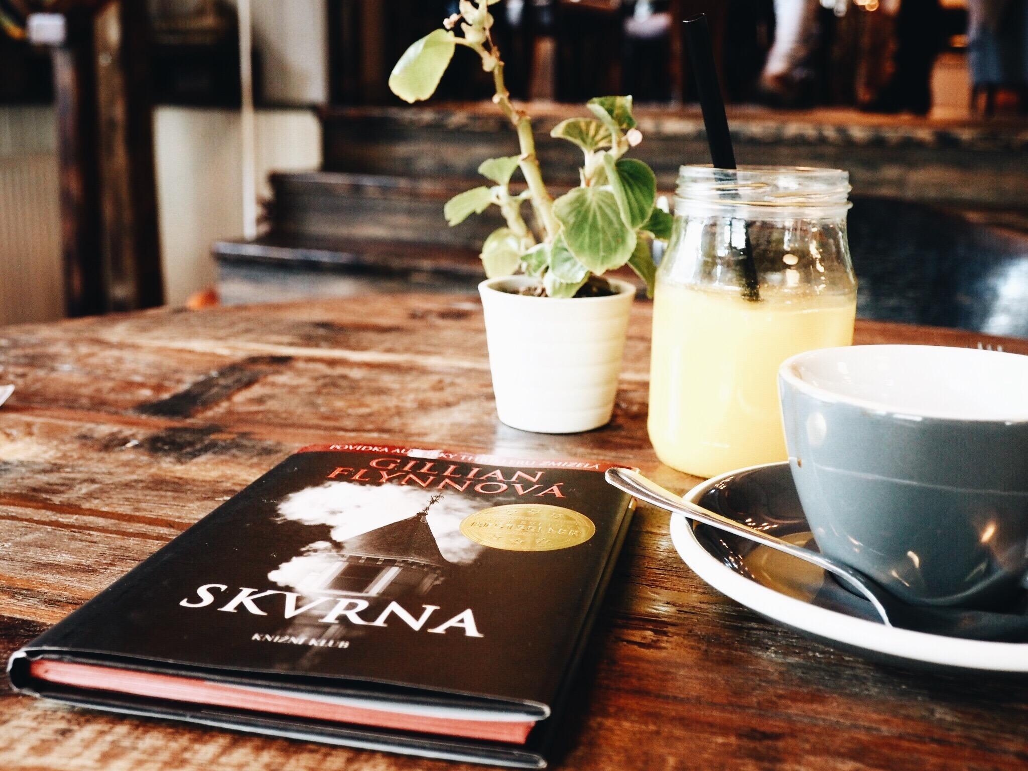 Pocta duchařským historkám od Gillian Flynn