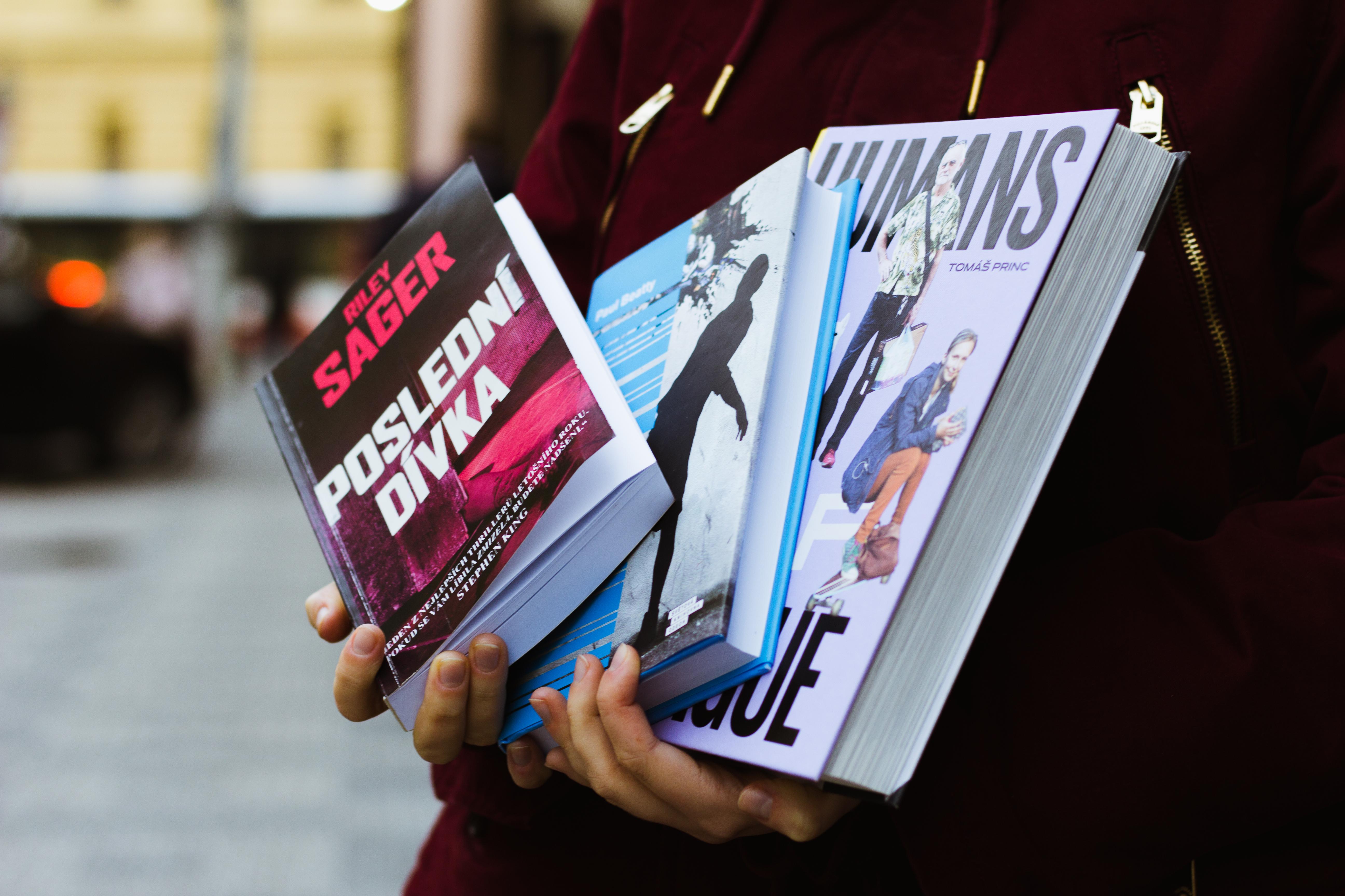 #copravectu: Poslední dívka, Zaprodanec a Humans of Prague
