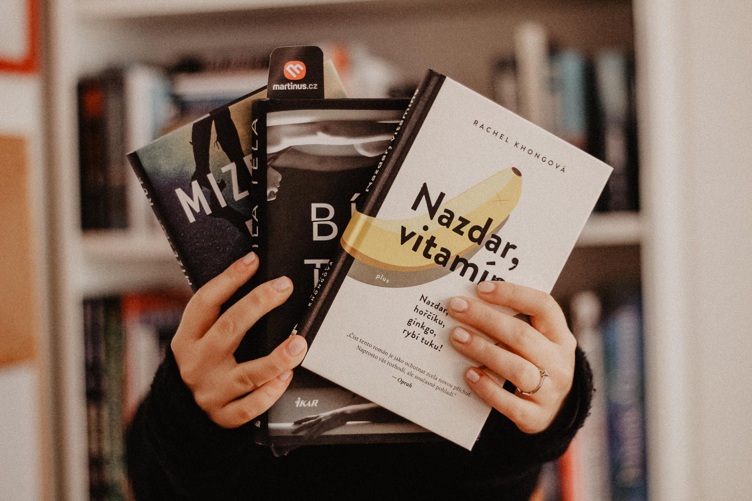 #copravectu: Dva slibné psychologické thrillery a Nazdar, vitamíne
