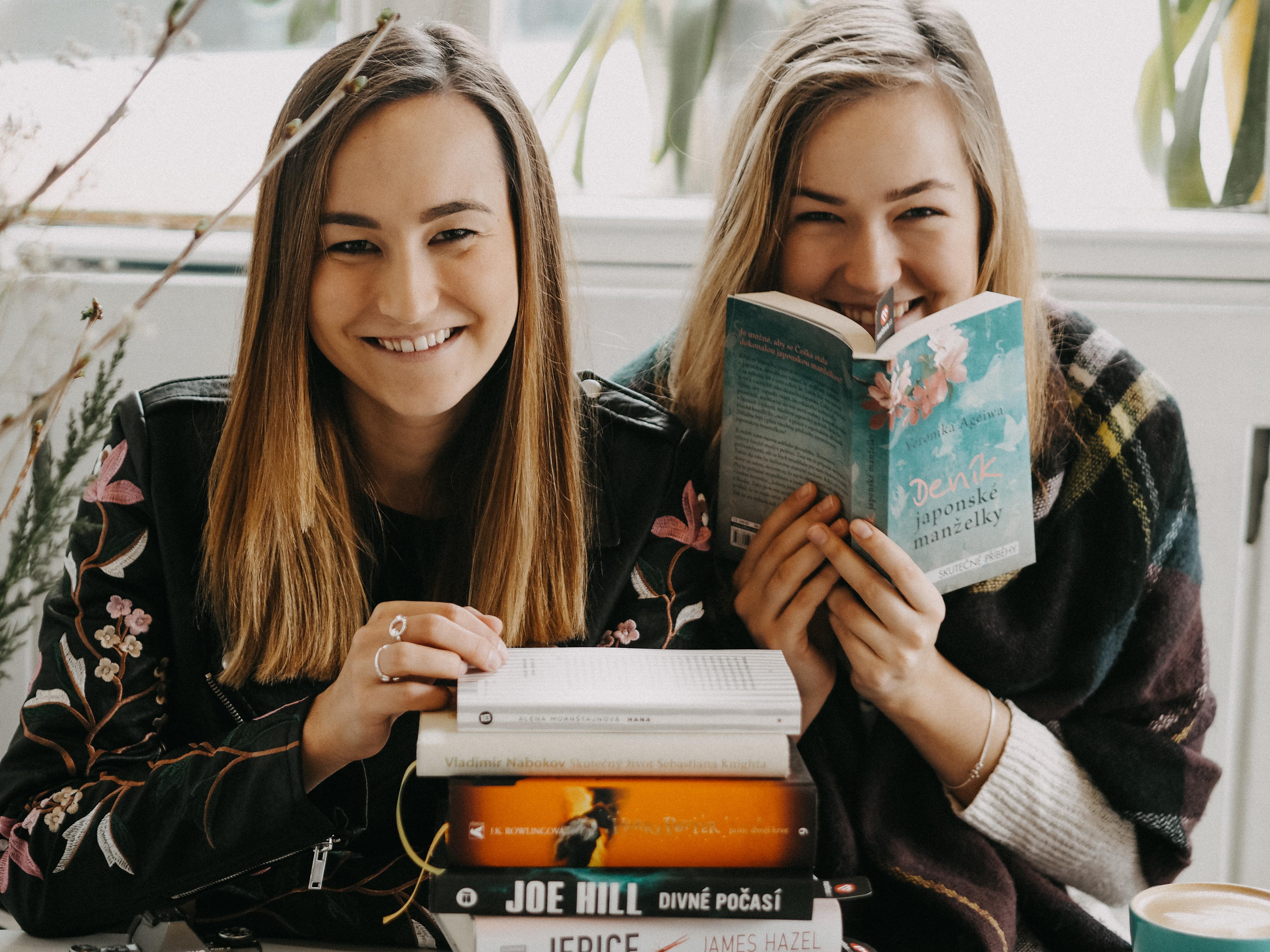 LookBook: Knihomolské ráno s A Cup Of Style